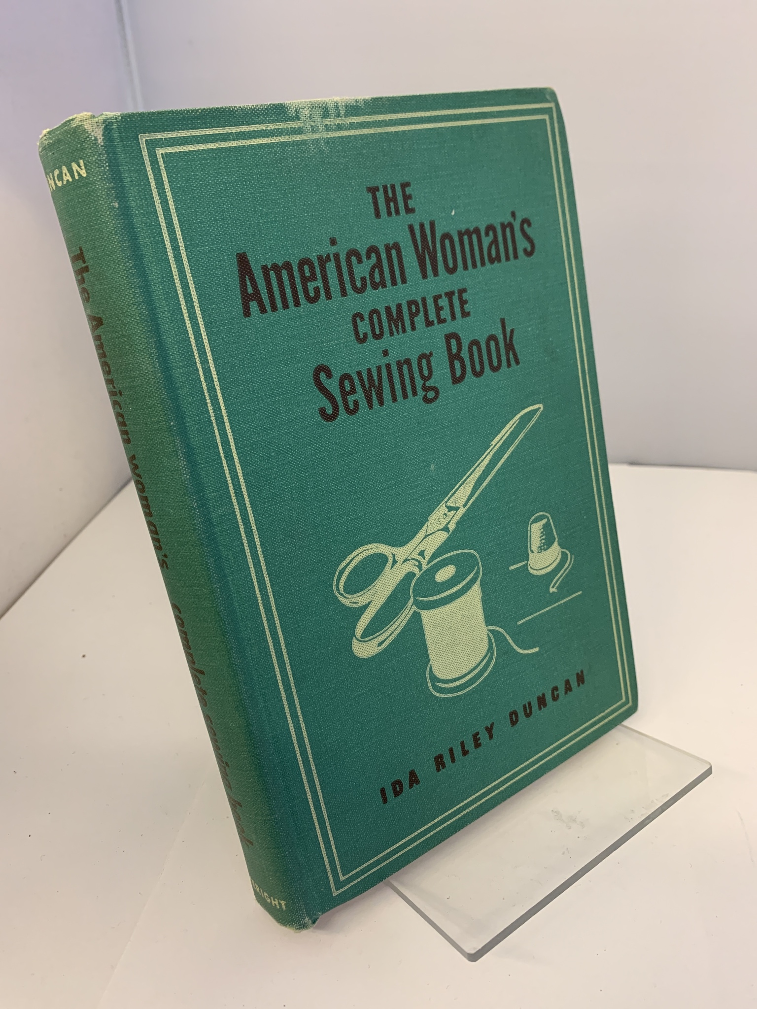 Image for The American woman's complete sewing book