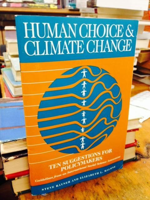Image for Ten suggestions for policy makers: Guidelines from an international social science assessment of human choice and climate change