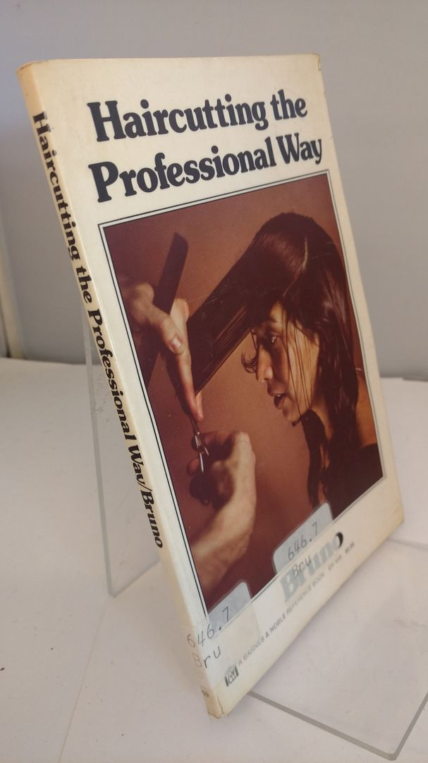 Image for Haircutting the Professional Way (A Barnes & Noble Reference Book EH 459) (English and French Edition)